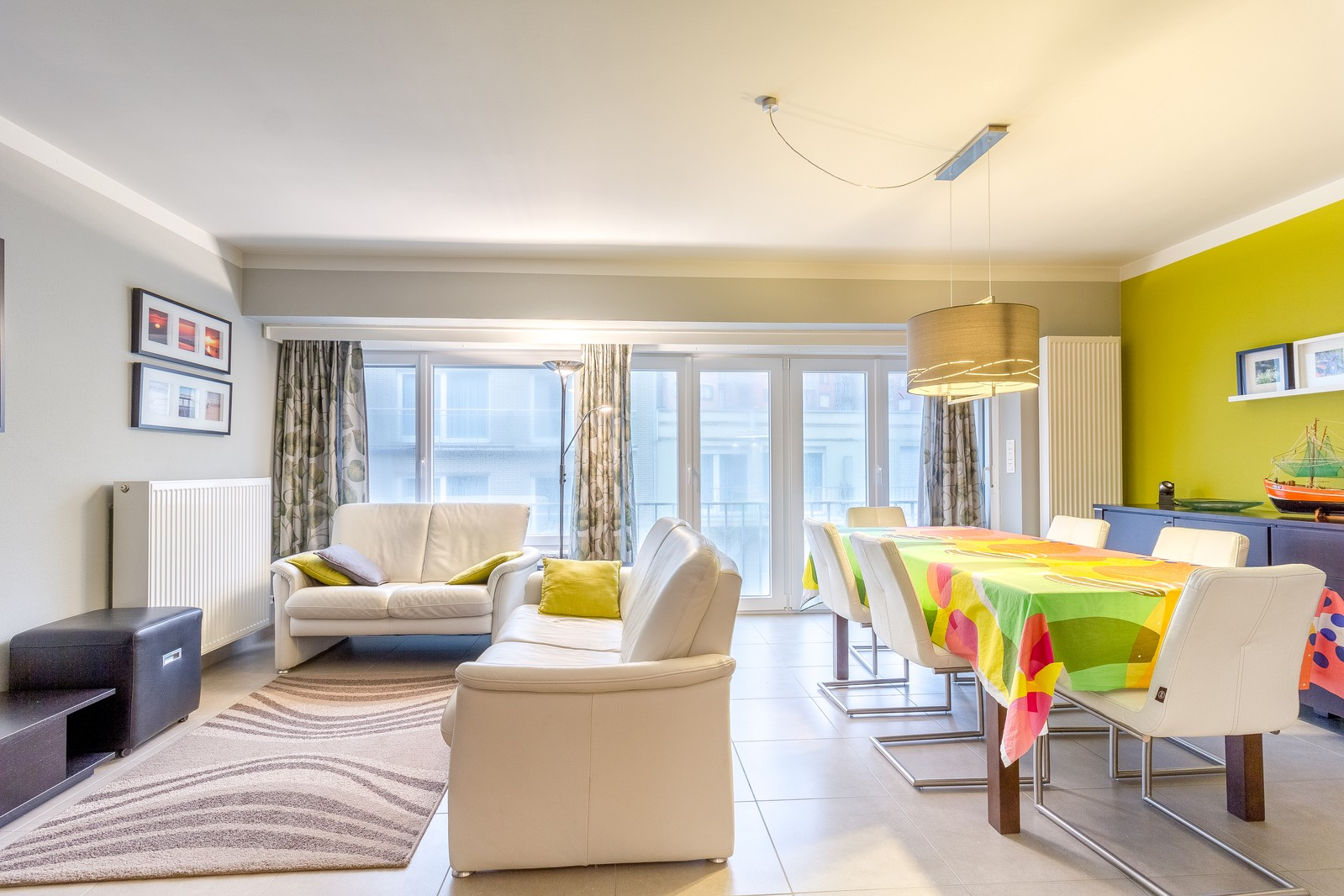 Gerenoveerd 3-kamer appartement op een zucht van het strand
